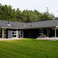 Three-Bedroom Holiday home in Oksbøl 18