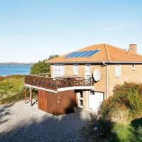 Four-Bedroom Holiday home in Skals 2