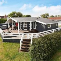 Four-Bedroom Holiday home in Rønde 3