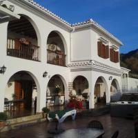 Casa Roble B&B