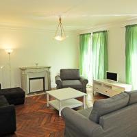 Apartment Appartement Antoine Roucher