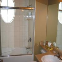 Silver Star Accommodation - Creekside