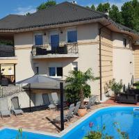 Villa Riccardo & Pool