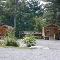 Lake George Escape 24 Ft. Cabin 2