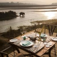 Meghauli Serai Chitwan National Park - A Taj Safari Lodge