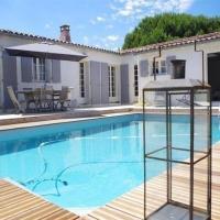 Rental Villa La Couarde Sur Mer Avec Piscine Sur Beau Jardin Clos