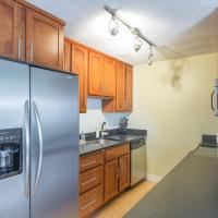 Spacious 3 Bedroom w/ Parking Near Union Square