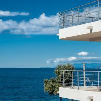 Open Sea Luxury Apartments
