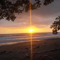 Matapalo Surf School & Beach Cabin