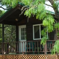 Medina Lake Camping Resort Cabin 8