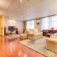 Apartment on Zanevskaya Ploshchad
