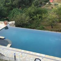 Appartement Le Rouret with Private Jacuzzi