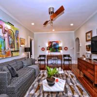 Luxe Condo-1 mile from Uptown