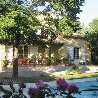 Entre Uzès Arles Et Avignon