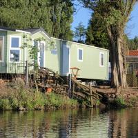 Marshlands Lakeside Nature Retreat