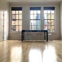 2BR: Spacious & Clean Spot in Downtown / Financial