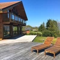 Spacieuse Maison en bois avec piscine
