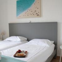 Pella Apartments