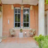 House with a Garden and Pool in Aix-en-Provence Centre