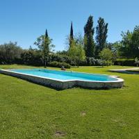 Gite avec piscine en campagne provencale