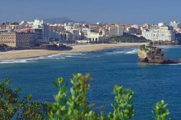 Biarritz: Alquiler de coches en 4 lugares de recogida