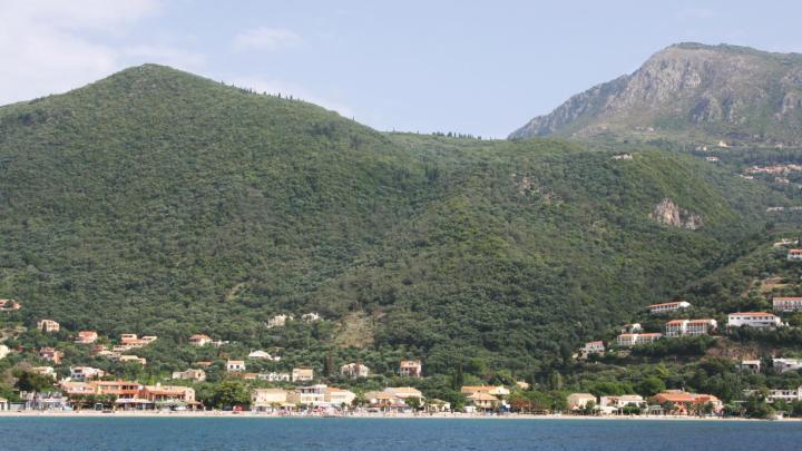 Encuentra el mejor lugar para pasear por la montaña en Ýpsos