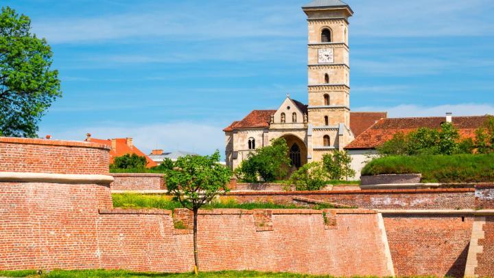 Encuentra el mejor lugar para las ruinas romanas en Alba Iulia