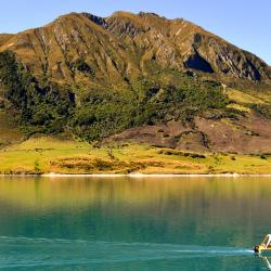Lake Hawea 12 hótel