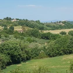 Castelnuovo di Farfa 11 готелів