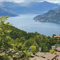 Schignano 5 hotels