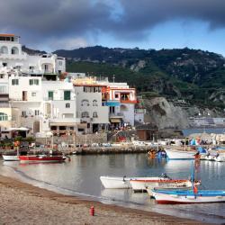 Ischia 875 hotels
