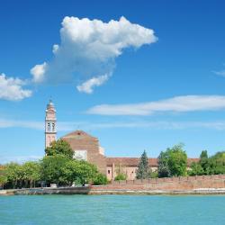 Венеція-Лідо 145 готелів