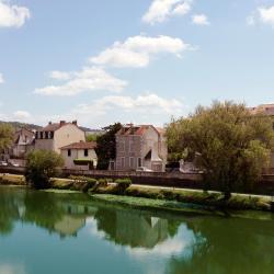 Antonne-et-Trigonant 5 hotels
