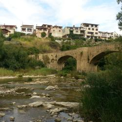 The best available hotels & places to stay near Artieda, Spain