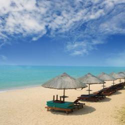 Санья 172 пляжных отелей