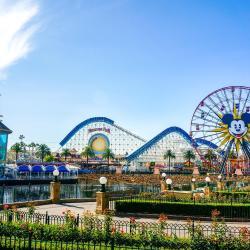 Anaheim 128 basseiniga hotelli