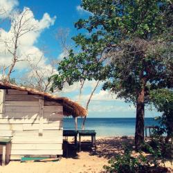 Arembepe 11 beach hotels