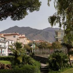 San Sebastiano al Vesuvio 2 hotels