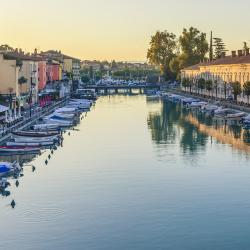 Peschiera Borromeo 13 hotels