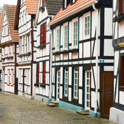 Bad Neuenahr-Ahrweiler 82 hotels