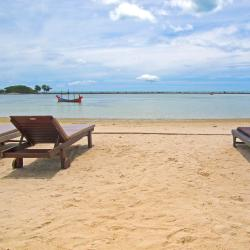 Chaweng Noi Beach 98 hotels with pools