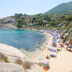 Isola del Giglio: i 6 migliori hotel. Isola del Giglio, Italia: dove ...