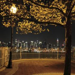 Weehawken 17 hotels