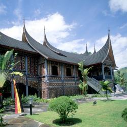 Padang 90 hotels