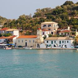 Meganisi 3 guest houses