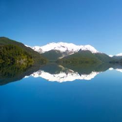 Lago Futalaufquen 5 hotels