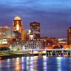 Des Moines 37 hoteluri