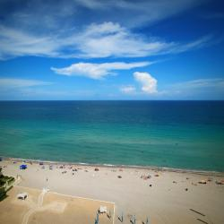 Hallandale Beach 127 hotels