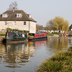 Hungerford 8 hotels