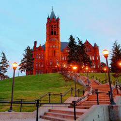 Syracuse 5 hotels met zwembad